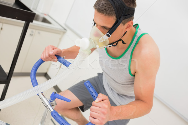 Férfi fitnessz teszt testmozgás bicikli orvosi Stock fotó © wavebreak_media