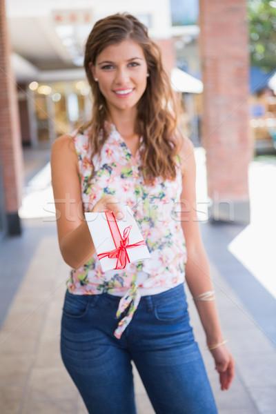 Retrato sorrindo cartão de presente Foto stock © wavebreak_media