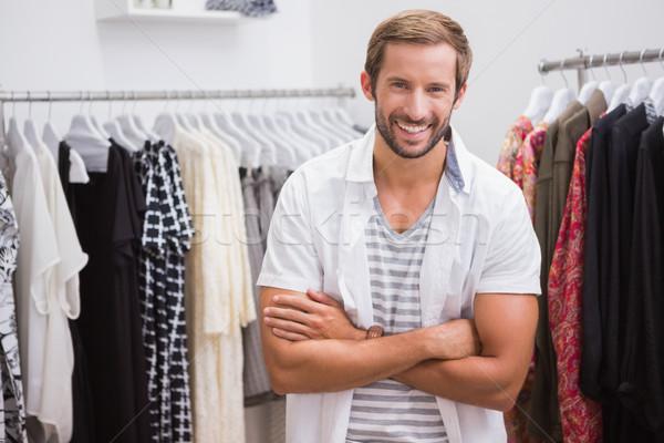 Retrato sonriendo hombre mirando cámara boutique Foto stock © wavebreak_media