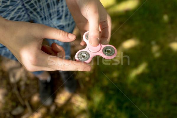 Kız oynama kadın el arka plan Stok fotoğraf © wavebreak_media