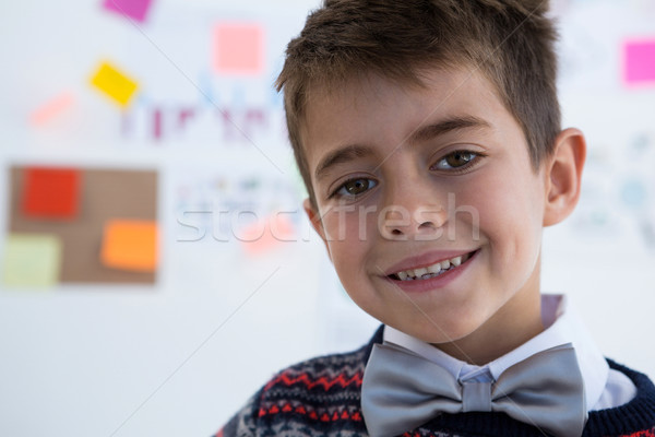 Nino negocios ejecutivo sonriendo oficina retrato Foto stock © wavebreak_media