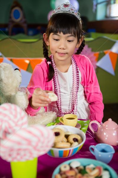 девушки Cookies празднование дня рождения домой ребенка таблице Сток-фото © wavebreak_media