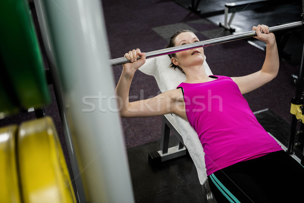 Stockfoto: Geschikt · vrouw · barbell · bank · druk