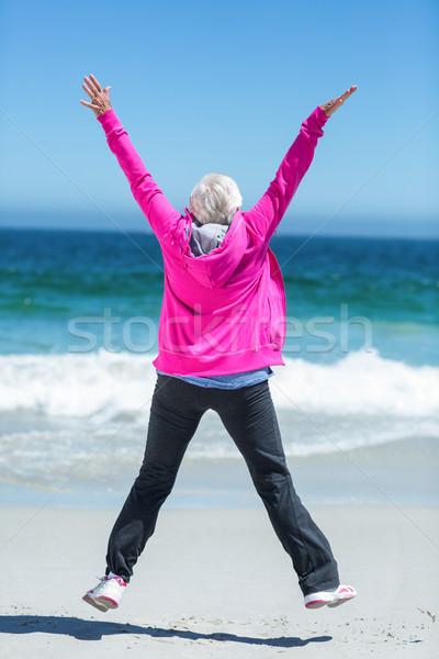 Donna matura braccia mare anziani pensare Foto d'archivio © wavebreak_media