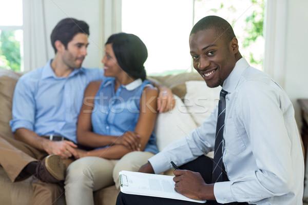 Portret glimlachend makelaar paar vergadering gelukkig Stockfoto © wavebreak_media