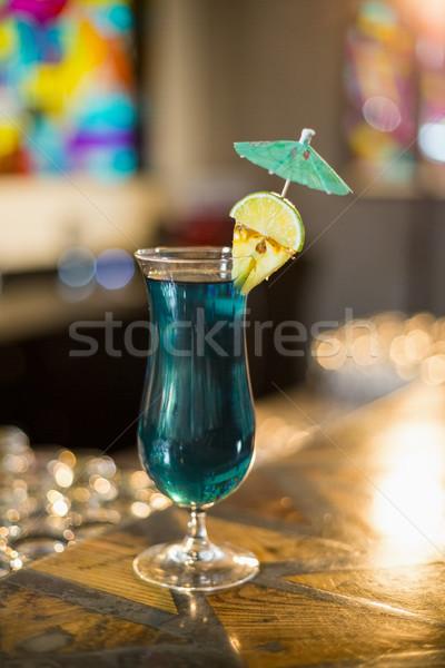 雞尾酒 玻璃 酒吧 對付 餐廳 目前 商業照片 © wavebreak_media