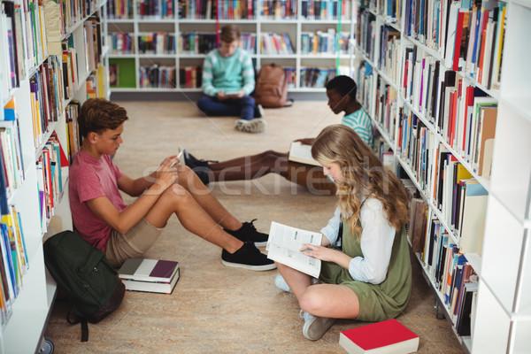 Atento estudar biblioteca escolas menina Foto stock © wavebreak_media