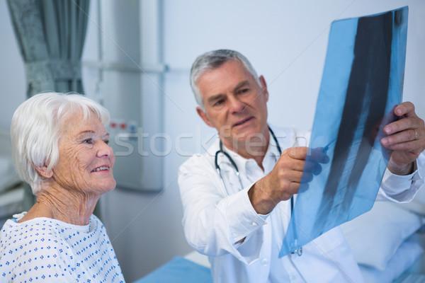 врач Xray докладе старший пациент Сток-фото © wavebreak_media