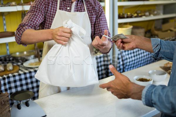 Müşteri ödeme personel karşı pazar Stok fotoğraf © wavebreak_media