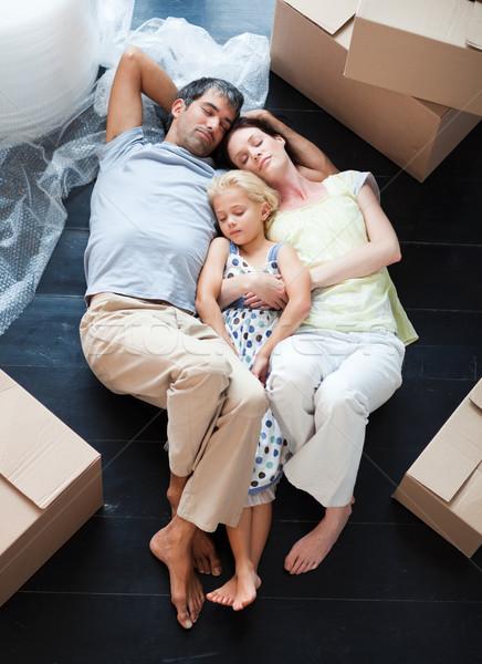 Родители и спящая дочь 5 фотография