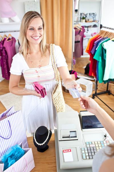 кавказский женщину одежды магазин женщины Сток-фото © wavebreak_media
