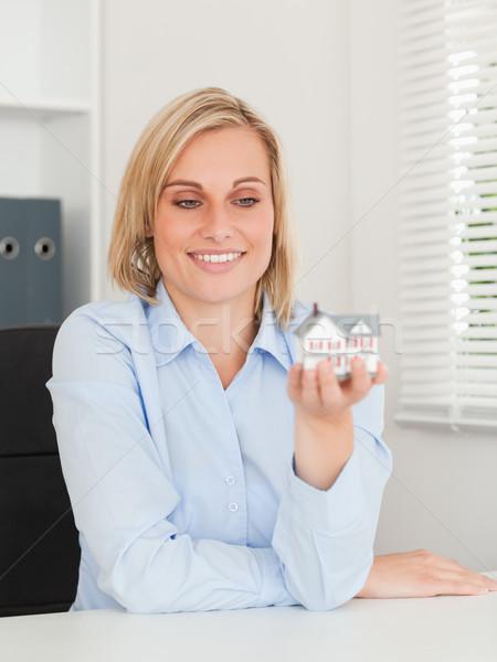 Przepiękny kobieta interesu miniatura domu Zdjęcia stock © wavebreak_media