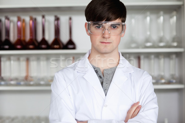 Masculino cientista posando laboratório feliz trabalhar Foto stock © wavebreak_media