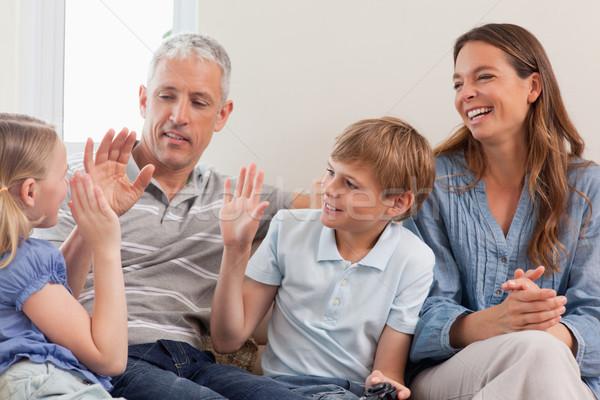 семьи играет Видеоигры гостиной любви Сток-фото © wavebreak_media