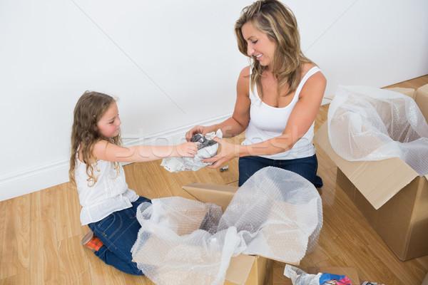 Matka córka kobieta dziewczyna kobiet uśmiechnięty Zdjęcia stock © wavebreak_media