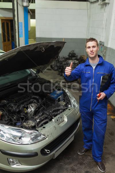Mecánico coche signo Foto stock © wavebreak_media