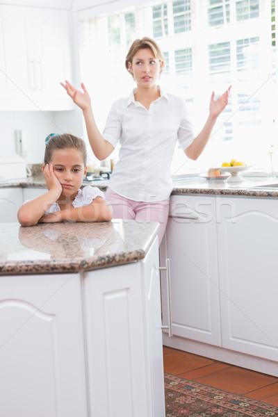 母親 娘 引数 ホーム キッチン 女性 ストックフォト © wavebreak_media