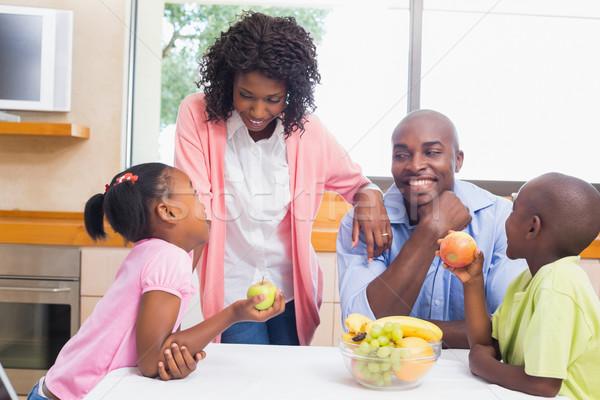 Gelukkig gezin vruchten samen home keuken man Stockfoto © wavebreak_media