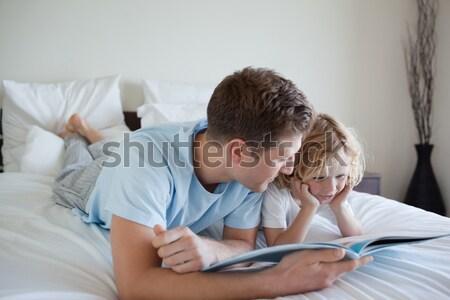 üzletember alszik laptop asztal oldalnézet fiatal Stock fotó © wavebreak_media