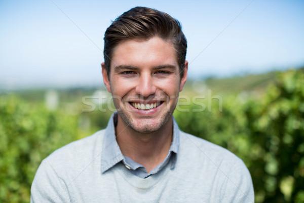 Retrato sorridente moço vinha blue sky homem Foto stock © wavebreak_media