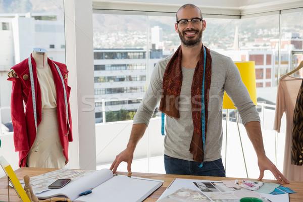моде дизайнера Постоянный таблице студию портрет Сток-фото © wavebreak_media