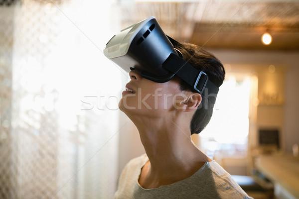 человека виртуальный реальность гарнитура ресторан улыбаясь Сток-фото © wavebreak_media