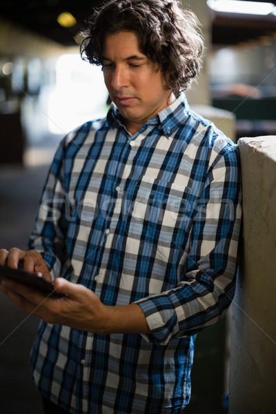 Homem digital comprimido estável atento amor Foto stock © wavebreak_media