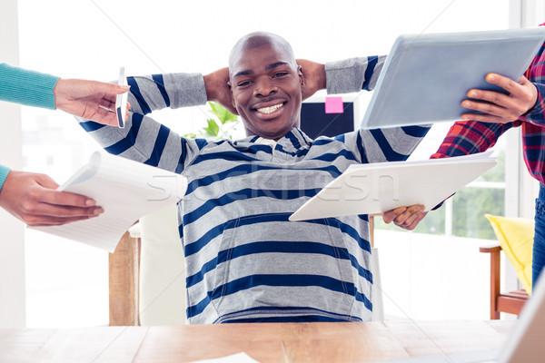 портрет бизнесмен расслабляющая служба рук Сток-фото © wavebreak_media