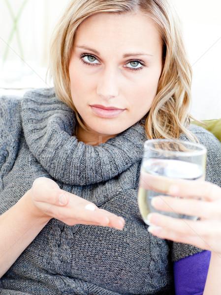 Malati depresso donna pillole acqua Foto d'archivio © wavebreak_media