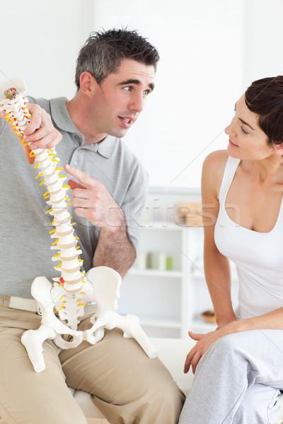 Chiropraxie uitleggen wervelkolom patiënt kamer kantoor Stockfoto © wavebreak_media