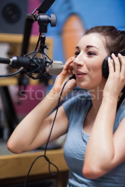 Portret radio gastheer microfoon werk Stockfoto © wavebreak_media