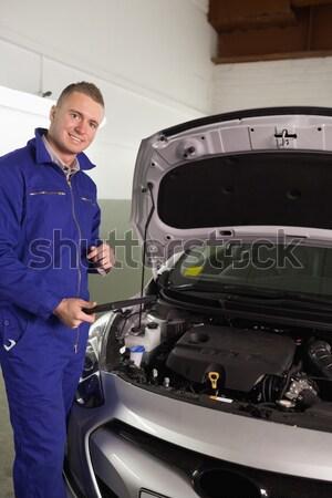 Hombre coche garaje traje Foto stock © wavebreak_media