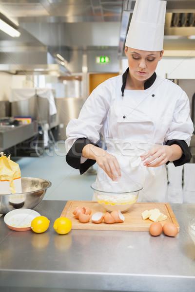 Kadın fırıncı mutfak gıda restoran Stok fotoğraf © wavebreak_media