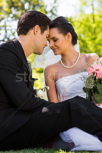романтические новобрачный пару сидят парка мнение Сток-фото © wavebreak_media