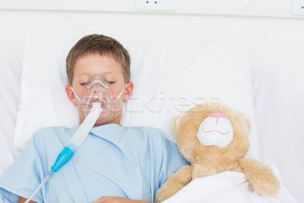 Fiú visel oxigénmaszk alszik vmi mellett töltött Stock fotó © wavebreak_media