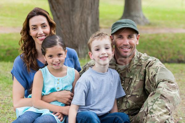 Bello soldato famiglia donna ragazza Foto d'archivio © wavebreak_media