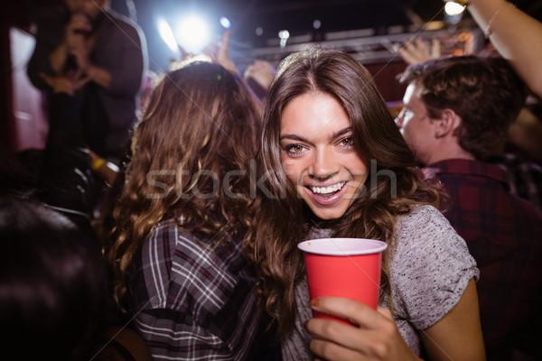 Porträt glücklich Frau genießen Musik-Festival Diskothek Stock foto © wavebreak_media