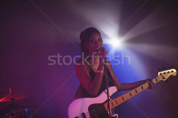 Kadın şarkıcı gece kulübü portre Stok fotoğraf © wavebreak_media