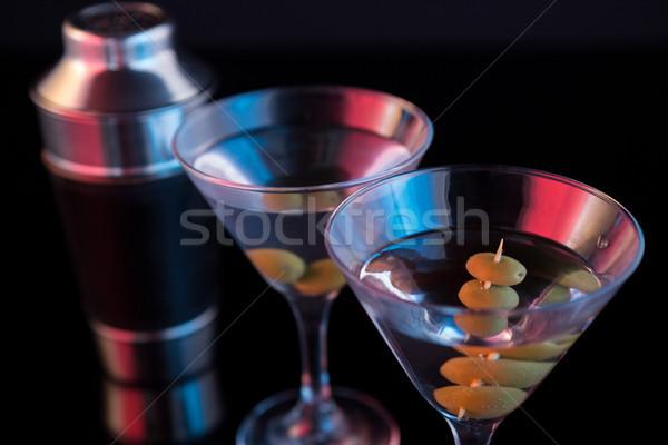 Cocktail martini olijven shaker tabel Stockfoto © wavebreak_media