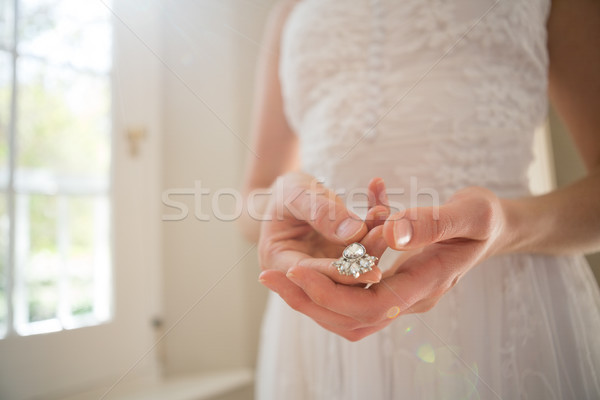Bruid diamant oorbel home permanente Stockfoto © wavebreak_media