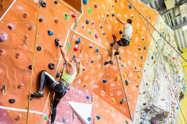 Geschikt paar rotsklimmen binnenshuis gymnasium vrouw Stockfoto © wavebreak_media