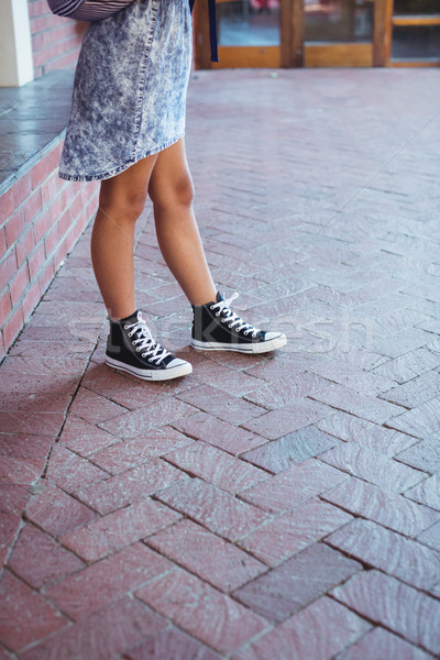 女学生 立って キャンパス 学校 少女 子 ストックフォト © wavebreak_media