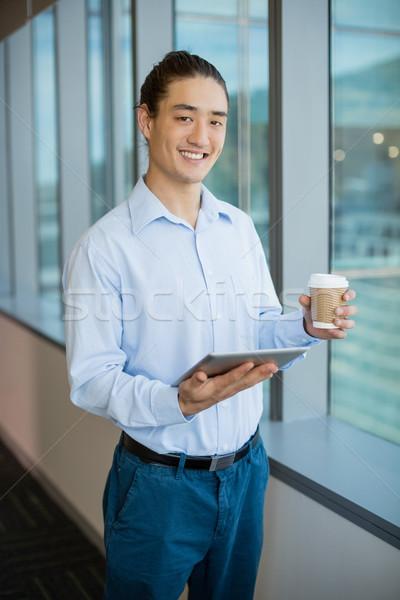бизнеса исполнительного цифровой таблетка кофе служба Сток-фото © wavebreak_media