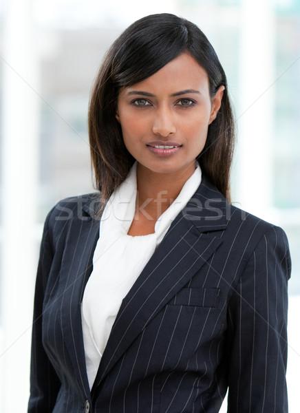 портрет очаровательный деловая женщина Постоянный служба счастливым Сток-фото © wavebreak_media