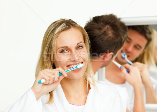 Stockfoto: Jonge · vrouw · schoonmaken · tanden · vriendje · badkamer · vrouw
