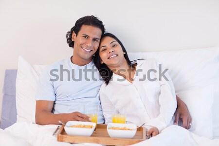 Romantische paar ontbijt bed home vrouw Stockfoto © wavebreak_media