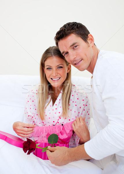 элегантный муж настоящее жена спальня женщину Сток-фото © wavebreak_media
