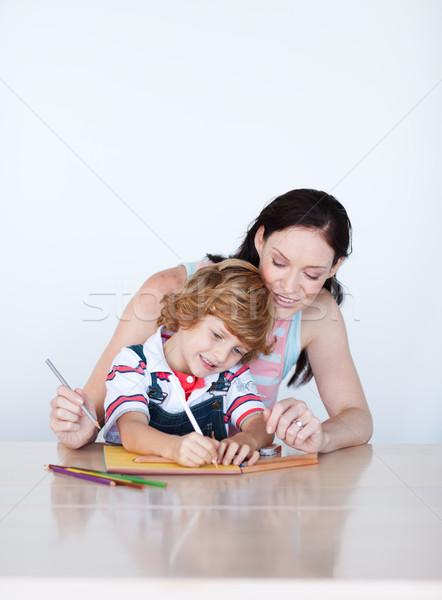 Moeder zoon huiswerk exemplaar ruimte samen home Stockfoto © wavebreak_media