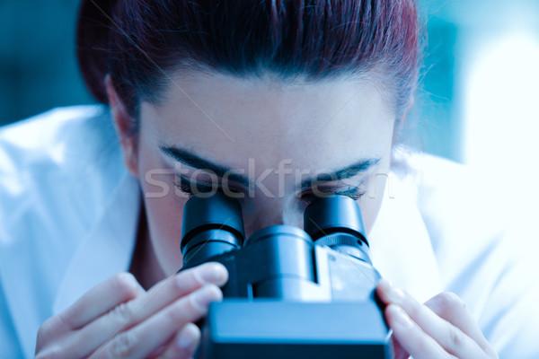 小さな 科学 見える 顕微鏡 室 病院 ストックフォト © wavebreak_media