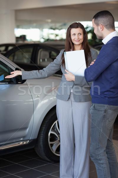 Mulher carro cliente mão Foto stock © wavebreak_media